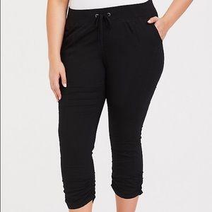 Torrid black poplin crop pants